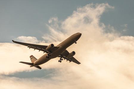 夕暮れ時の機体