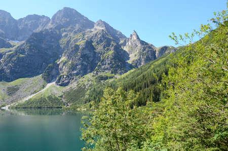 oko: Mountain lake (Morskie Oko in Tatras)