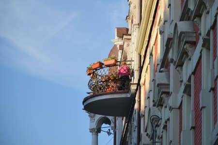 ade: balcony