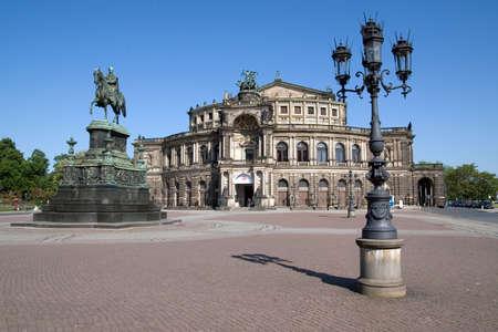building monumental: Semper Opera House in Dresden (Germany)