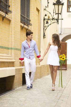 pareja saludable: Sonrisa encantadora pareja