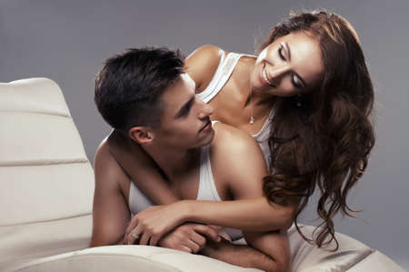 sexo pareja joven: J�venes amantes atractivos