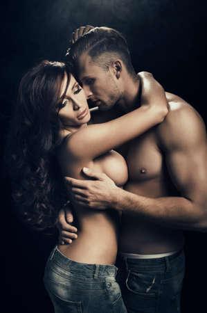 pareja desnuda: Pareja de pasi�n