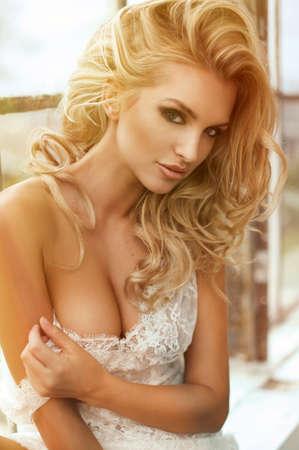 fille sexy: Portrait de jeune femme sexy