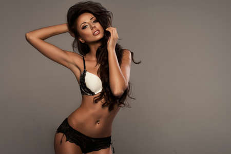 donna sexy: Bellezza indossando lingerie