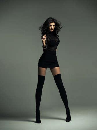 sensual: Mujer sensual que desgasta el equipo de moda