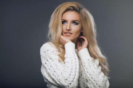 sweatshirt: Blond beauty wear sweatshirt