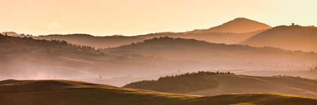 Tuscan hills at sunrise. Typical rural landscape. Tuscany, Italy Banco de Imagens