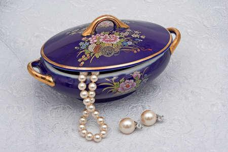 Pearls, diamonds and silk Stock Photo - 308483