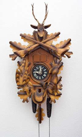 un coucou: Horloge coucou  Banque d'images