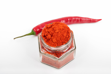 red pepper: Chili pepper spices and pouder