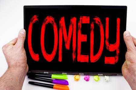 お笑いテキスト執筆タブレット、マーカー、ペン、文房具のオフィスのコンピューター。スタンド アップ コメディー マイク ホワイト バック グラ