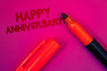 Conceptual hand writing showing Happy Anniversary Motivational Call. Business photo text Annual Special Milestone Commemoration Magenta color platform dark red color tidings corner red marker Banque d'images