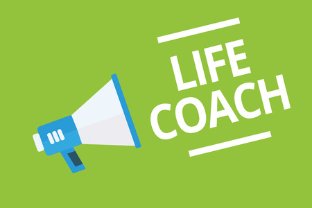 Handwriting text writing Life Coach. Concept meaning A person who advices clients how to solve their problems or goals Megaphone loudspeaker green background important message speaking loud Banque d'images