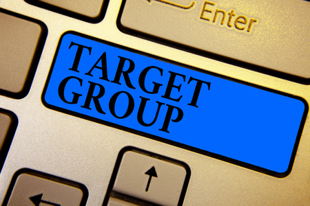 Conceptual hand writing showing Target Group. Business photo text Particular people that an advertisement intended to reach to Keyboard blue key create computer computing reflection document Banque d'images