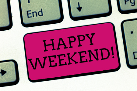 Conceptual hand writing showing Happy Weekend. Business photo showcasing Cheerful rest day Time of no office work Spending holidays. Foto de archivo