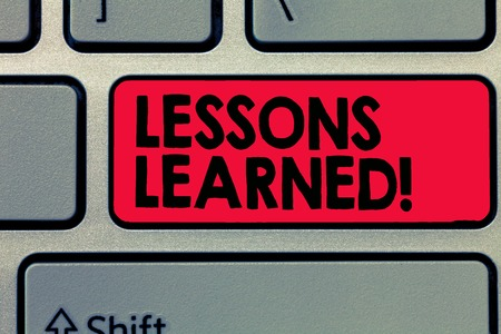 Writing note showing Lessons Learned. Business photo showcasing information reflects positive and negative experiences. 版權商用圖片