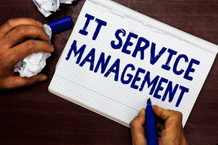 Writing note showing It Service Management. Banque d'images - 108832252