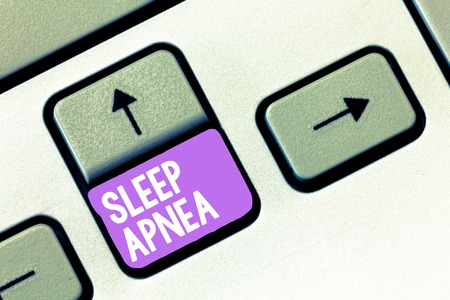 Handwriting text Sleep Apnea. Concept meaning The temporary stoppage of breathing during sleep Snoring. Standard-Bild