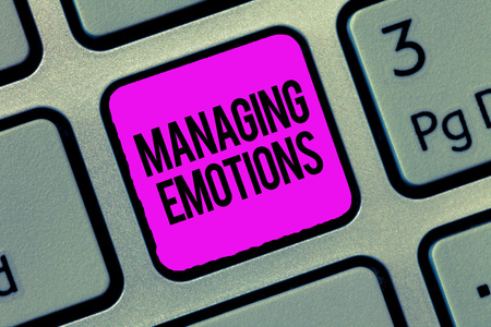Conceptual hand writing showing Managing Emotions. Business photo showcasing Controlling feelings in oneself Maintain composure. Foto de archivo - 110771171