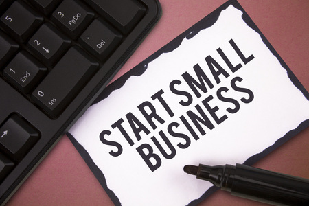 Writing note showing Start Small Business. Business photo showcasing Aspiring Entrepreneur a New Venture Trade Industry. Imagens - 111146049
