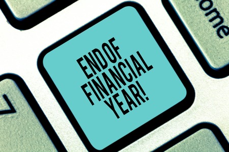 Word writing text End Of Financial Year. Business concept for Revise and edit accounting sheets from previous year Keyboard key Intention to create computer message pressing keypad idea 스톡 콘텐츠