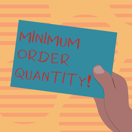 Word writing text Minimum Order Quantity. Business concept for lowest quantity of a product a supplier can sell Drawn Hu analysis Hand Holding Presenting Blank Color Paper Cardboard photo Archivio Fotografico