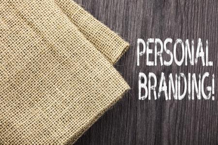 Koncepcyjne pismo ręczne pokazujące markę osobistą. Pojęcie oznaczające proces tworzenia rozpoznawalnej nazwy zawodowej