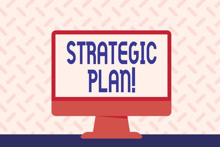 Signe texte montrant le plan stratégique. Photo d'entreprise présentant l'activité d'analyse qui est utilisée pour définir et mettre l'accent sur les priorités Espace vide Ordinateur de bureau Écran Coloré Autonome sur la table