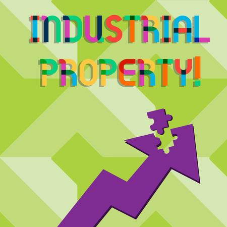 Escritura de texto escrito, propiedad industrial. Fotografía conceptual de la propiedad intangible de una marca registrada o patente Flecha colorida apuntando hacia arriba con parte separada como pieza de rompecabezas