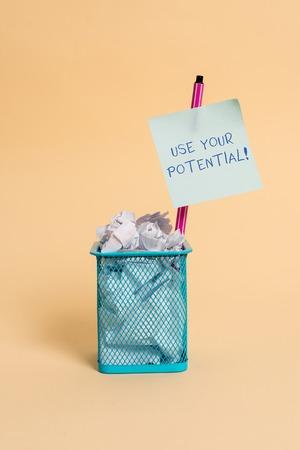 Signe texte montrant Utilisez votre potentiel. Le texte d'une photo d'entreprise atteint autant de capacités naturelles que possible Banque d'images