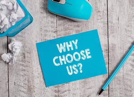 Handschriftlicher Text, warum wählen Sie uns Frage. Konzeptionelle Fotoliste mit Vor- und Nachteilen zur Auswahl des Produktservice Standard-Bild