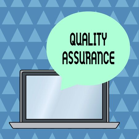 Text sign showing Quality Assurance. Business photo showcasing Ensures a certain level of quality Established requirement Round Shape Empty Speech Bubble Floating Over Open Laptop Colored Backdrop Stok Fotoğraf