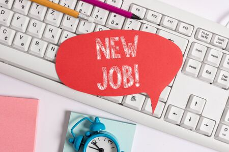 Handwriting text New Job. Conceptual photo recently having paid position of regular employment Empty copy space red note paper bubble above pc keyboard for text message