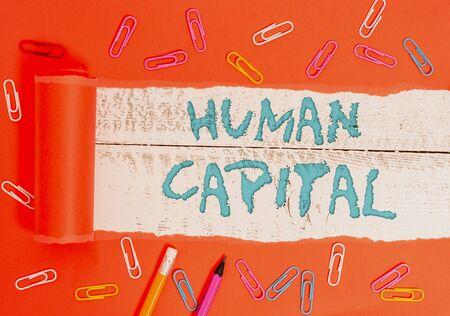 Escritura a mano conceptual mostrando Huanalysis Capital. Concepto Significado Recursos Colectivos Intangibles Competencia Capital Educación