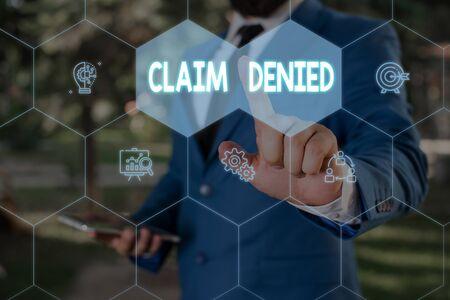 Wort schreiben Text Anspruch abgelehnt. Geschäftsfoto, auf dem die angeforderte Rückerstattungszahlung für die Rechnung präsentiert wird, wurde abgelehnt
