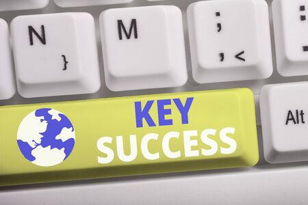Word writing text Key Success. Business photo showcasing generally three to five areas that company may focus on White pc keyboard with empty note paper above white background key copy space Stockfoto
