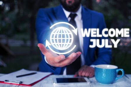 Conceptual hand writing showing Welcome July. Concept meaning Calendar Seventh Month 31days Third Quarter New Season Banco de Imagens