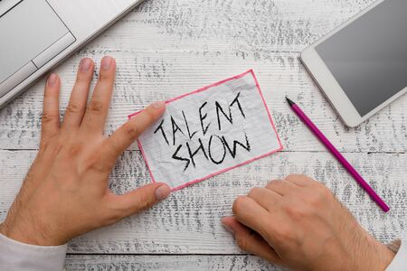 Writing note showing Talent Show. Business concept for Competition of entertainers show casting their perforanalysisces Фото со стока
