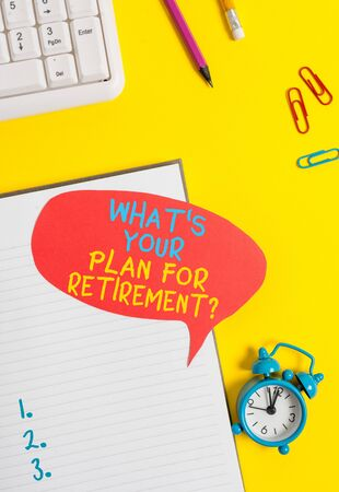 Conceptual hand writing showing What S Your Plan For Retirement Question. Concept meaning Savings Pension Elderly retire Empty red bubble paper on the table with pc keyboard Stockfoto