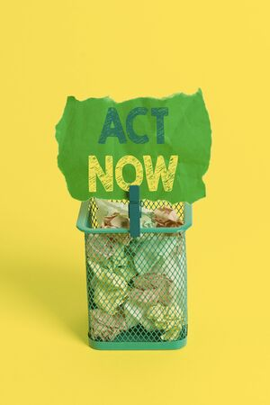 Word writing text Act Now. Business photo showcasing Having fast response Asking someone to do action Dont delay Trash bin crumpled paper clothespin empty reminder office supplies yellow 스톡 콘텐츠