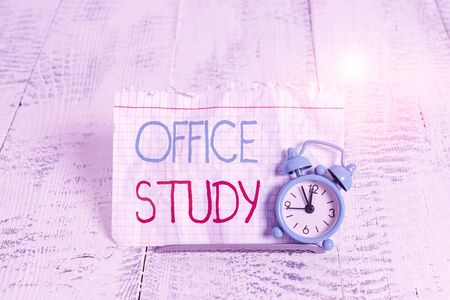 Writing note showing Office Study. Business concept for any location or venue where a demonstrating s is work is performed Banco de Imagens
