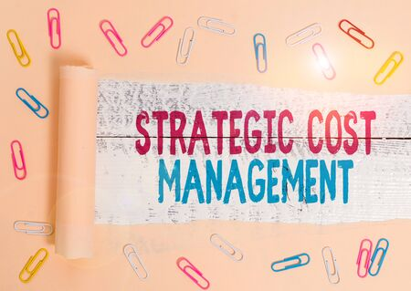 Handwriting text Strategic Cost Management. Conceptual photo Reduce total Expenses while improving operation Banco de Imagens