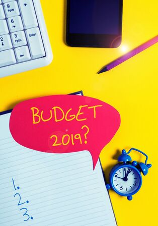 Text sign showing Budget 2019 Question. Business photo showcasing estimate of income and expenditure for next year Empty red bubble paper on the table with pc keyboard Stockfoto