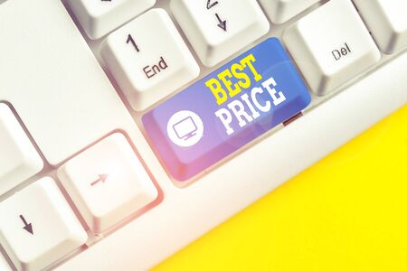Text sign showing Best Price. Business photo showcasing Buyer or seller can obtain something for a product sold or buy White pc keyboard with empty note paper above white background key copy space Banco de Imagens - 132126598