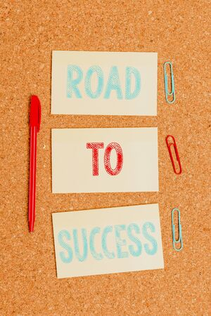 Writing note showing Road To Success. Business concept for studying really hard Improve yourself to reach dreams wishes Empty sticker reminder memo billboard corkboard desk paper Stok Fotoğraf