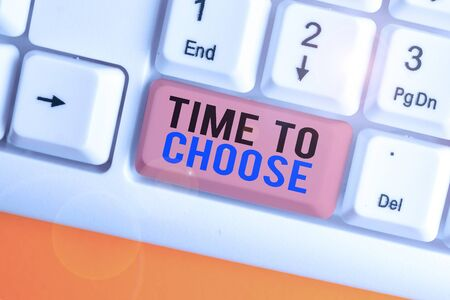 Handschrift Text schreiben Zeit zu wählen. Konzeptionelles Foto Beurteilung der Vorzüge mehrerer Optionen und Auswahl einer Standard-Bild