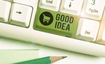 Schreiben Hinweis mit guter Idee. Geschäftskonzept für einen ausgezeichneten Vorschlag und Plan, um etwas zu erreichen Standard-Bild