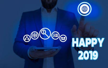 Schreiben Hinweis mit Happy 2019. Geschäftskonzept für das Gefühl, Freude oder Zufriedenheit für 2019 zu zeigen oder zu verursachen
