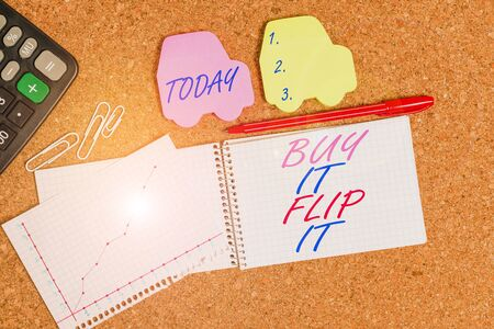 Text sign showing Buy It Flip It. Business photo text Buy something fix them up then sell them for more profit Desk notebook paper office cardboard paperboard study supplies table chart 版權商用圖片